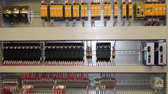 fabricación de cuadros de control