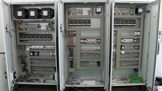 suministro de cuadros eléctricos de control